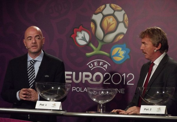 жеребьёвка плей-офф ЧЕ по футболу 2012